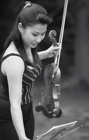 Sarah Chang before performing.jpg