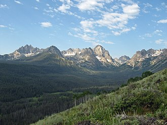 Sawtooth National Recreation Area - Image: Sawtooth mtns