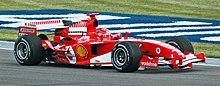 Michael Schumacher pilotant aux essais du Grand Prix des États-Unis 2005.