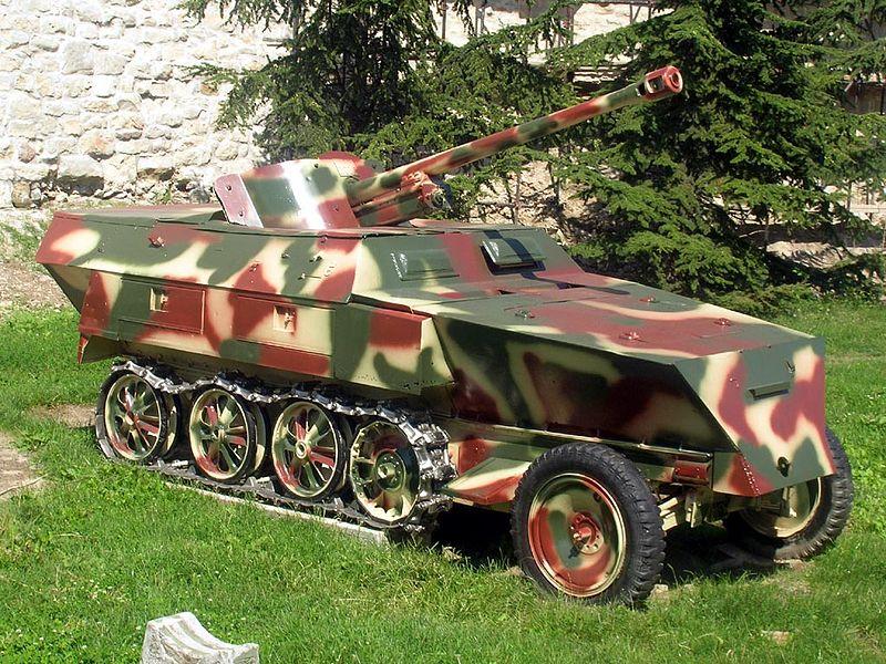800px-SdKfz-250.jpg