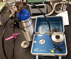 Scholander pressure bomb - Self-contained pressure bomb