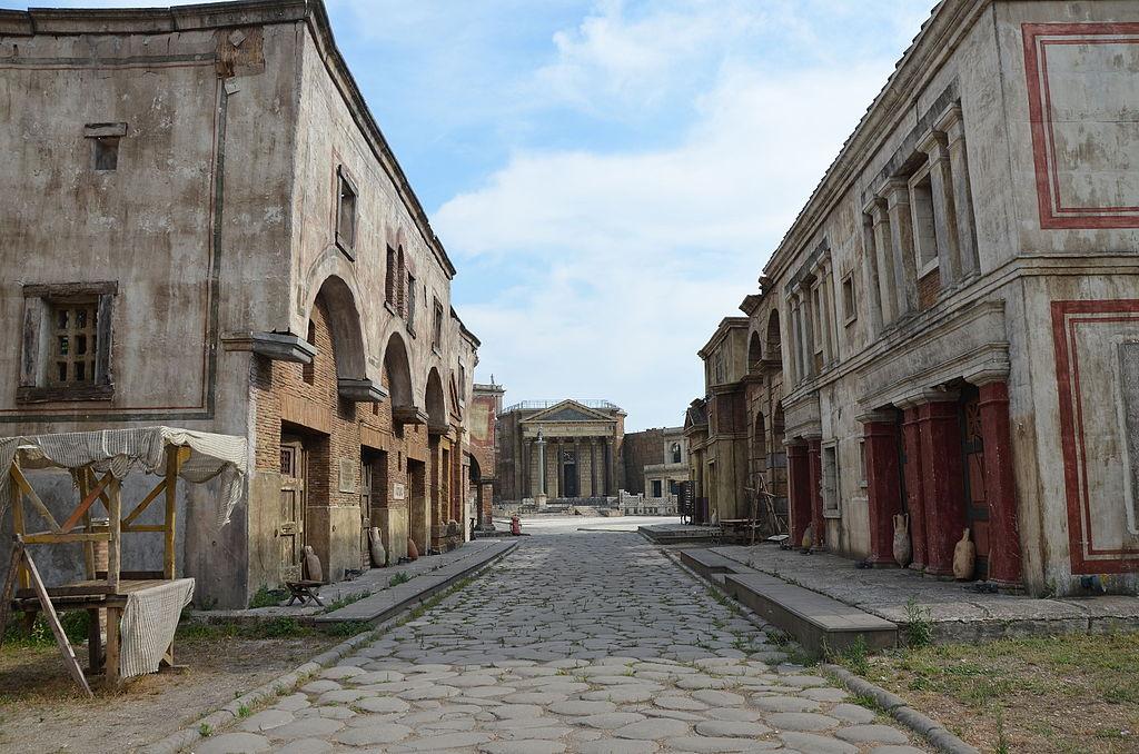 """> Lieu de tournage de la série """"Rome"""" dans les studios de Cinecitta à Rome. Photo de Carole Raddato"""