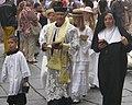 Sfilata corteo Sagre preti e figure di Paese.jpg