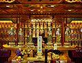Singapore Buddha Tooth Relic Temple Innen Verstorbenenhalle 3.jpg
