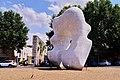 Statua di Henry Moore (Forma Squadrata con taglio), Prato, Toscana, Italia 05.jpg