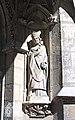 Statue de saint Alode, évêque dAuxerre, à Saint-Germain-lAuxerrois.jpg