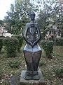 Statuia Maternitate din Ploieşti.jpg
