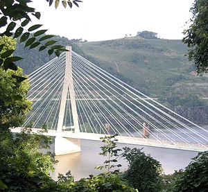 Veterans Memorial Bridge (Steubenville, Ohio) - Image: Steubenville Bridge from University
