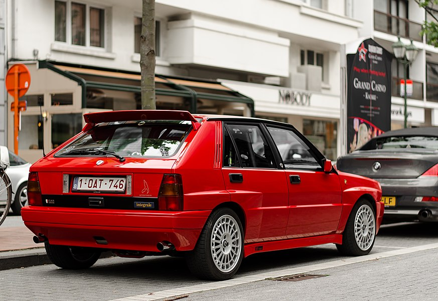 Quite a nice car this one. Can anyone tell me if it has ever been built in coorporation with Abarth? Because it had some Abarth badges on it.