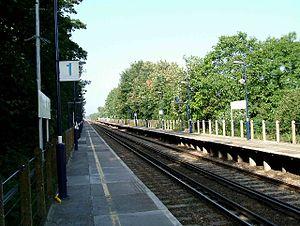 Stone Crossing railway station - Image: Stone Crossing railway station in 2005