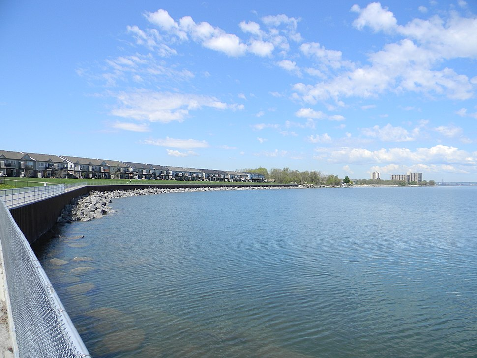 Stoney Creek, Waterfront