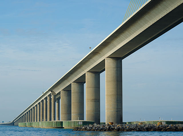 640px Sunshine Skyway Bridge 1SC 2449 toll bridges