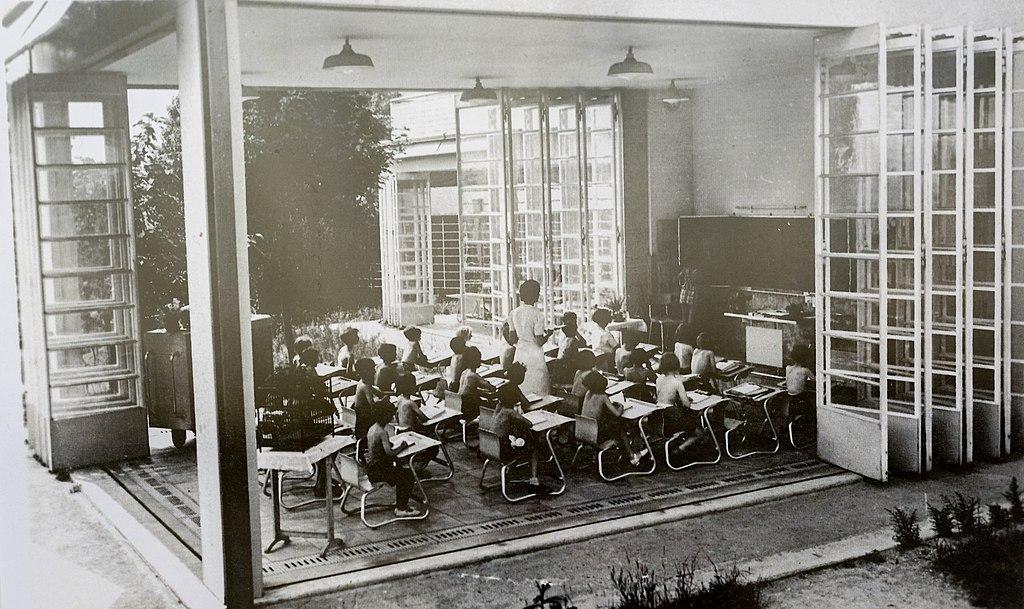 Suresnes - Ecole de plein air NB 10