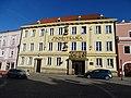 Třeboň, Masarykovo náměstí 100, spořitelna.jpg