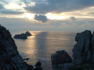 The Franklin's Tale - les Tas de Pais off the Pointe de Penhir in Camaret, Brittany