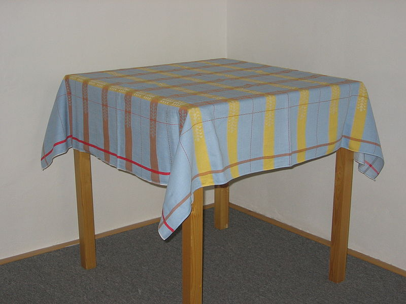 Fichier:Tablecloth 01.JPG