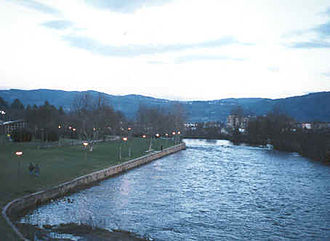 Tâmega (river) - The Tâmega as it passes through Chaves