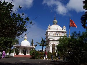 Hinduism in Mauritius - Image: Temple vers trou aux biches
