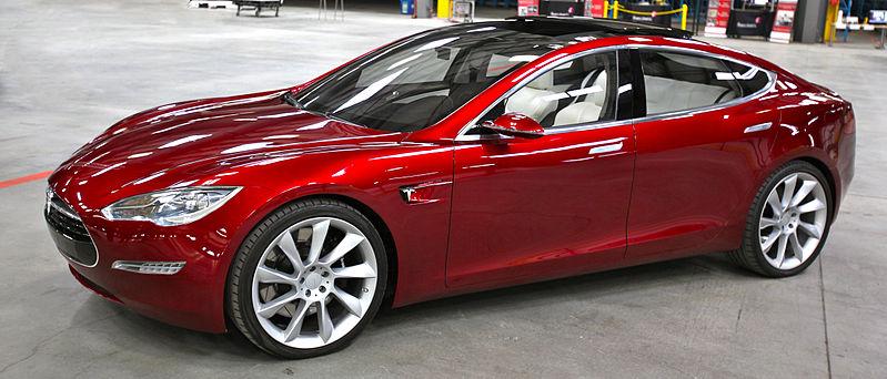 799px-Tesla_Model_S_Indoors_trimmed.jpg