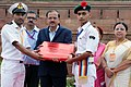 The Minister of State for Defence, Dr. Subhash Ramrao Bhamre presenting the memento to a NCC Cadet of the three wings, during the Independence Day Celebrations - 2018 rehearsal, at Red Fort, in Delhi on August 13, 2018 (2).JPG