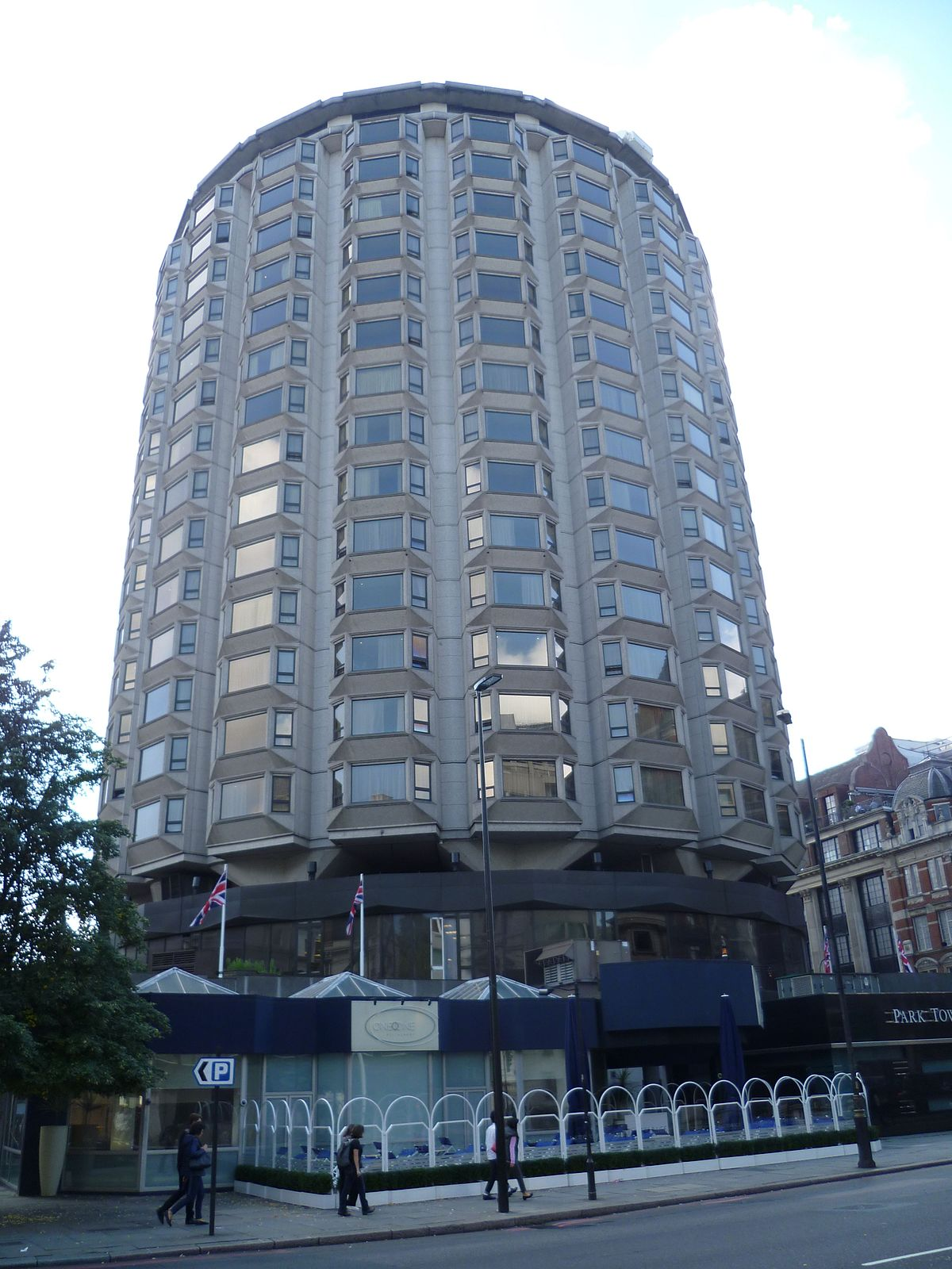 The park tower knightsbridge hotel wikipedia for The knightsbridge