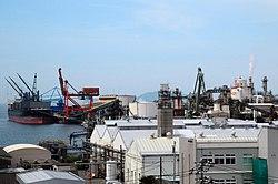 Tokuyama-Kudamatsu port.jpg