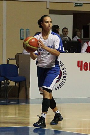 Kristi Toliver - Toliver playing in Moscow, 2013