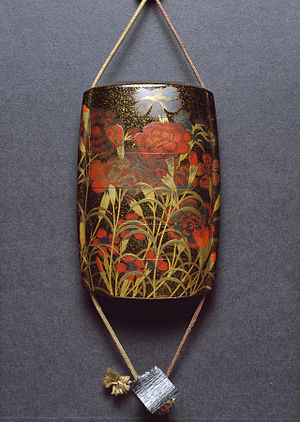 Inrō - Image: Toryu Inro with Autumn Carnations and Badger Netsuke Walters 67425