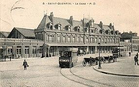 Tramway à air comprimé Mékarski devant la gare en 1906