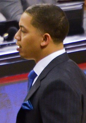 2016 NBA All-Star Game - Image: Tyronn Lue on Jan 25, 2015
