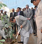 U.S. Consul General, Punjab Ministers Break Ground for U.S.-Pakistan Center for Advanced Studies in Faisalabad (23584281496).jpg