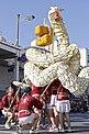 Parade på Iwakuni-festivalen til ære for White Island Climbing Snakes