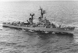 USS Turner Joy - USS Turner Joy (DD-951) underway at sea, 9 May 1964.