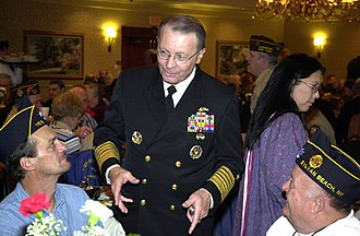 Oneida Indian Nation - Joint Chiefs of Staff Vice Chairman, Navy Adm. Edmund Giambastiani speaks with attendees of the Oneida Indian Nation veterans recognition ceremony in Verona, N.Y, November 4, 2006