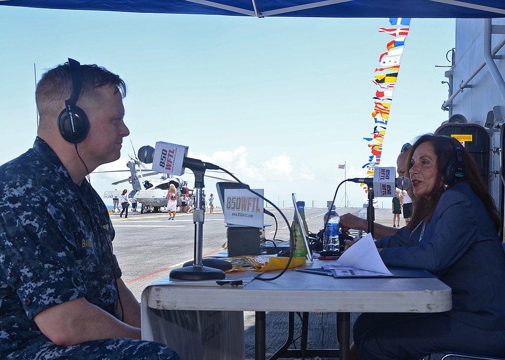 File:US Navy 110426-N-7680E-021 Capt. Grady Banister, left ...