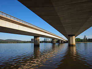 Commonwealth Avenue (Canberra) - Image: Underneath Commonwealth Avenue Bridge January 2013