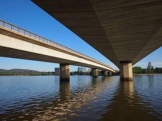 Commonwealth Avenue (Canberra) - Image: Underneath Commonwealth Avenue Bridge January 2013