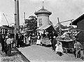 Venäläisiä hedelmäkauppiaita Hakaniementorilla 1907.jpg