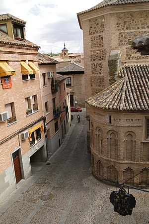 Convento de Santa Isabel de los Reyes, Toledo - Side view of the convent (right)