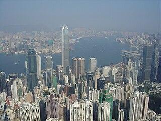 筆者在幻想,假設有份參選特首,將會準備甚麼政綱,令香港市民得以安居樂業,社會得以繁榮安定呢? (圖片:Samtri@Wikimedia)