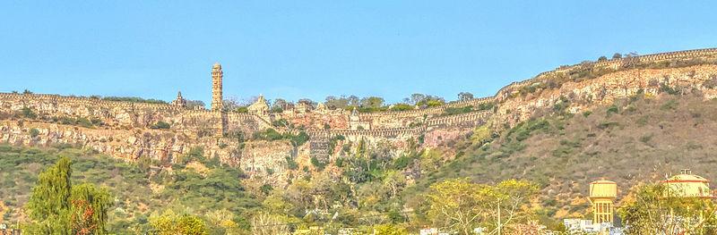 File:Vijay Stamb View from Chittor_fa_rszd.jpg