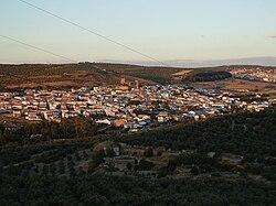 Vista Municipio Canena desde Cerro Ibros.jpg