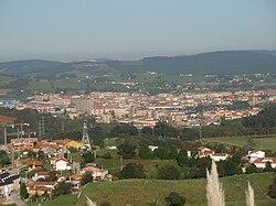 Vista de Torrelavega desde el parque empresarial Besaya.JPG