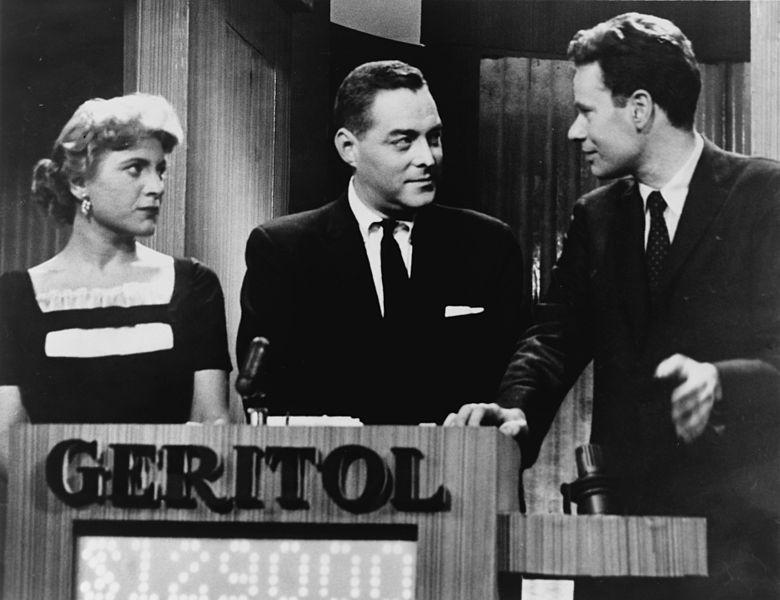 Vivienne Nearing, Jack Barry y Charles Van Doren, en el concurso Twenty-One, el 11 de marzo de 1957.