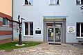 Volksschule Gamlitz - entrance.jpg