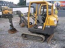 macchinari industriali volvo 220px-Volvo_EC_15B_offen