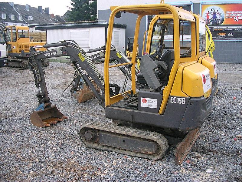 macchinari industriali volvo 800px-Volvo_EC_15B_offen