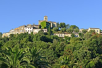 Auribeau-sur-Siagne - View of the village from the Chemin de Pierrenchon