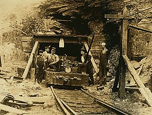 Drift mining - Drift mine entry in West Virginia, 1908. Photo by Lewis Hine.
