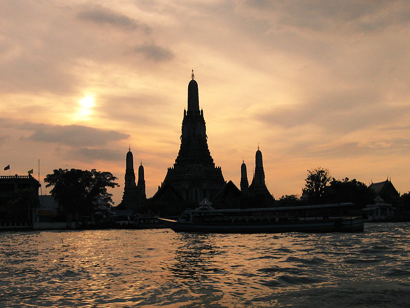 File:Wat Arun and Sunset.jpg